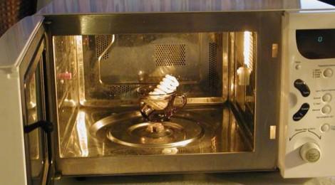 Как избавиться от вредной микроволновой печи? Несколько веселых способов.